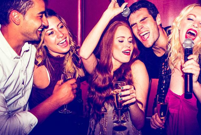 Hogyan rendezzünk karaoke partit?