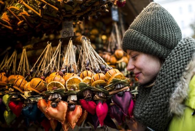 Megnyílt a Vörösmarty téri karácsonyi vásár