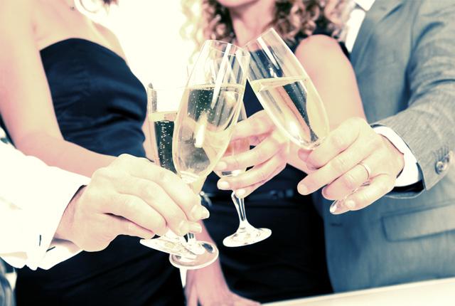 Miért pezsgővel koccintunk szilveszterkor?