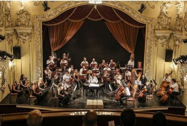 Szilveszteri koncert a Duna Palotában állófogadással, gálavacsorával