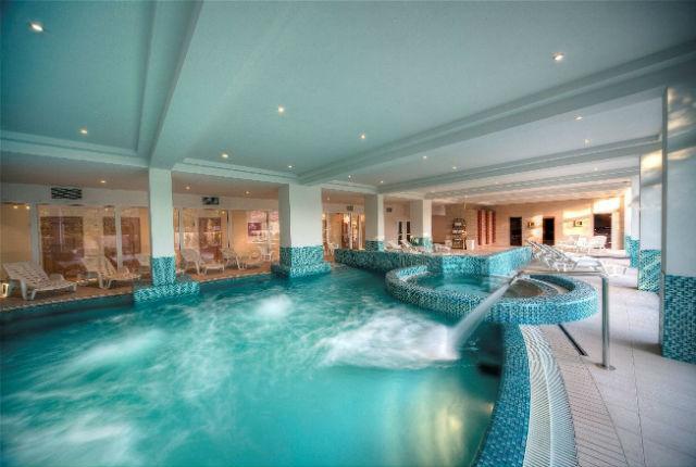 Két Korona Konferencia és Wellness Hotel Balatonszárszó ****